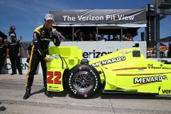 Polesitter Simon Pagenaud, Team Penske, Chevrolet