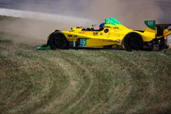 Crash of #63 Scuderia Corsa Ferrari 488 GT3: Christina Nielsen, Alessandro Balzan and #85 JDC/Miller