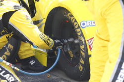 Reifenwechsel: Matt Kenseth, Joe Gibbs Racing, Toyota