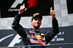 Podium: derde plaats voor Daniel Ricciardo, Red Bull Racing