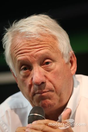 Charlie Whiting, Délégué de la FIA lors d'une conférence de presse
