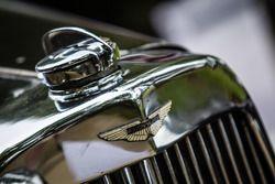 Classic Grand Tour: Aston Martin logo