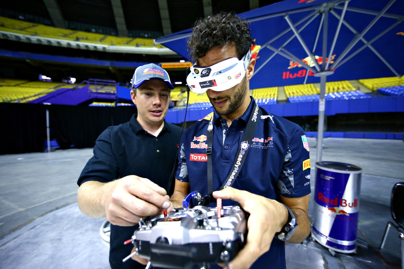 Daniel Ricciardo, Red Bull Racing carrera de drone