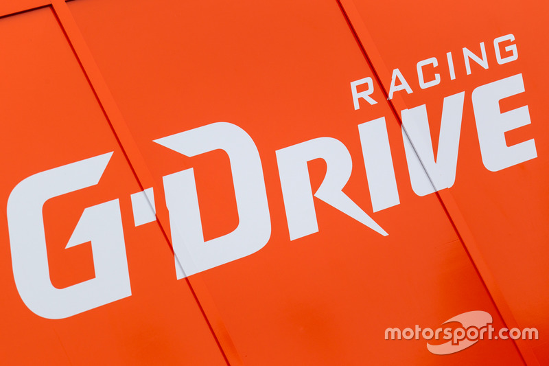 Зона та лого G-Drive Racing