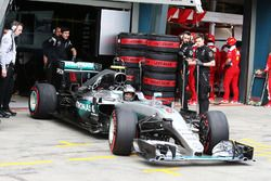 Nico Rosberg, Mercedes AMG F1 Team W07 sort des stands