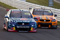 Craig Lowndes, Triple Eight Race Engineering Holden yWill Davison, Tekno Autosports Holden