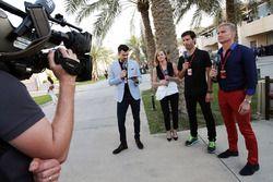 Стив Джей, ведущий Channel 4 F1, Сьюзи Вольф, Марк Уэббер, пилот Porsche Team WEC и ведущий Channel
