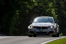 #301 Pixum Team Adrenalin Motorsport, BMW M235i Racing Cup: Zuhour Nadir, Mohammed AlOwais, Bashar M