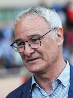 Claudio Ranieri, manager de Leicester City lors d'un match de football de charité