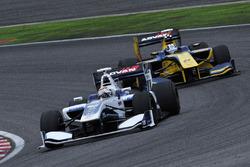 Bertrand Baguette, Nakajima Racing, und Kamui Kobayashi, Team LeMans