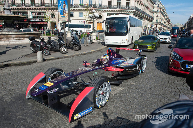 Jean-Eric Vergne en las calles de París