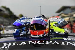 Helme von #14 Emil Frey Racing, Emil Frey Jaguar G3: Lorenz Frey, Stéphane Ortelli, Albert Costa Bal