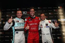 Polesitter Pepe Oriola, Team Craft-Bamboo LUKOIL, SEAT Leon, second position Gianni Morbidelli, West Coast Racing, Honda Civic TCR, third position Jean-Karl Vernay, Leopard Racing, Volkswagen Golf GTI TCR