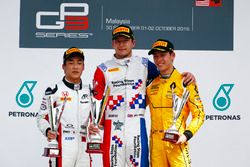 Podium: Jake Dennis, Arden International Nirei Fukuzumi, ART Grand Prix and Jack Aitken, Arden International