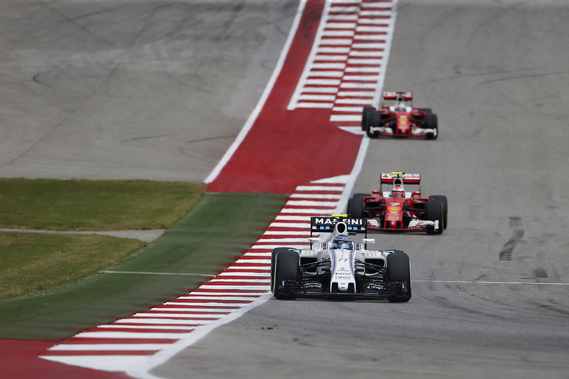 Valtteri Bottas, Williams FW38, Kimi Raikkonen, Ferrari SF16-H
