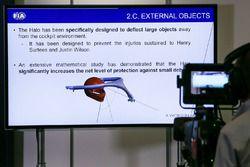 Pantalla de TV en la Conferencia de prensa para el dispositivo de Halo