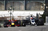 Kevin Magnussen, Haas F1 Team VF-17, Max Verstappen, Red Bull Racing RB13