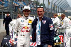 Marco Wittmann, BMW Team RMG, BMW M4 DTM y Matthias Dolderer, Red Bull Air Race Champion