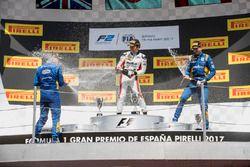 Podium : le vainqueur Nobuharu Matsushita, ART Grand Prix, le deuxième, Oliver Rowland, DAMS, le troisième, Nicholas Latifi, DAMS