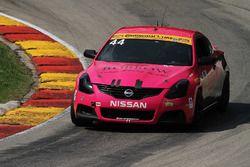 #44 Nissan Altima: Sarah Cattaneo, Owen Trinkler