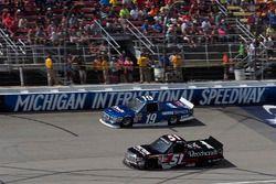 Austin Cindric, Brad Keselowski Racing Ford, Kyle Busch, Kyle Busch Motorsports Toyota