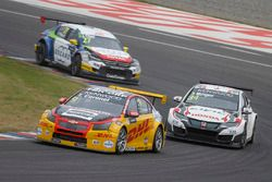 Tom Coronel, Roal Motorsport, Chevrolet RML Cruze TC1, Ryo Michigami, Honda Racing Team JAS, Honda Civic WTCC