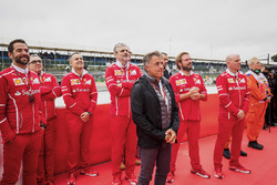 Jean Alesi, Maurizio Arrivabene, Ferrari, Jock Clear, other Ferrari engineers at the podium