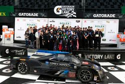 Podium: Race winner #10 Wayne Taylor Racing Cadillac DPi: Ricky Taylor, Jordan Taylor, Max Angelelli, Jeff Gordon with the team