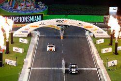 David Coulthard y Kurt Busch en el Whelen NASCAR