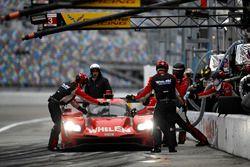 #31 Action Express Racing Cadillac DPi: Eric Curran, Dane Cameron, Seb Morris, Mike Conway, pit acti