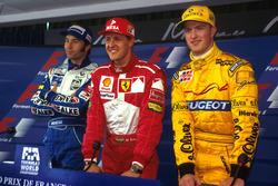 Le top 3 après les qualifications : le poleman Michael Schumacher, Ferrari, deuxième place pour Heinz-Harald Frentzen, Williams, troisième place pour Ralf Schumacher, Jordan