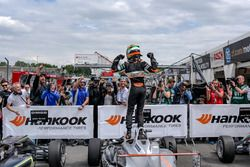 Parce ferme, race winner, Jehan Daruvala, Carlin, Dallara F317 - Volkswagen