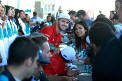 Daniel Abt, ABT Schaeffler Audi Sport avec une fan