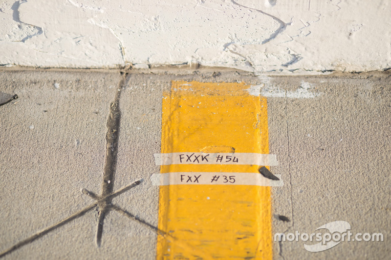 Letreros de Ferrari FXX K