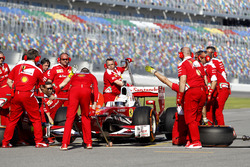 Pit stop Sebastian Vettel, Ferrari F60