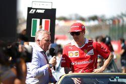 Kimi Raikkonen, Ferrari talks with Johnny Herbert, Sky TV on the drivers parade