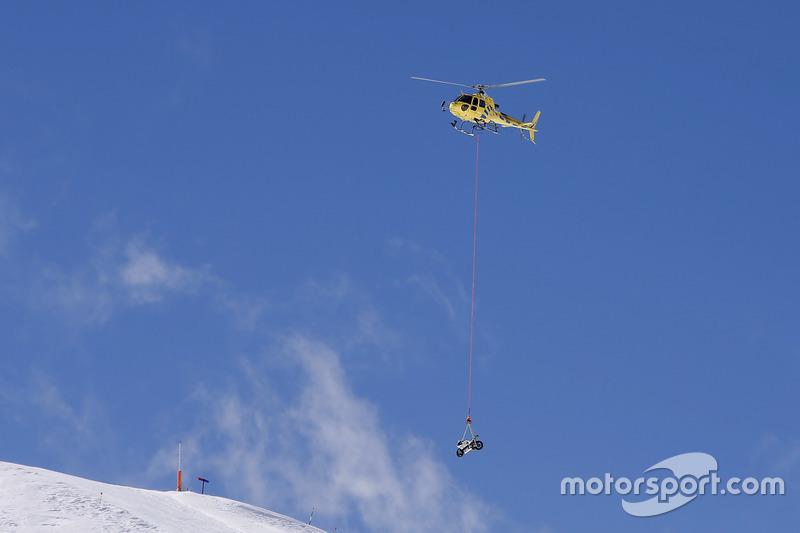 La moto du team Avintia Racing descend du ciel