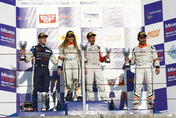 Podio Gara 2: Alessandra Brena, Seat Motor Sport Italia; Faccin-Pascali, Seat Motor Sport Italia; Pa
