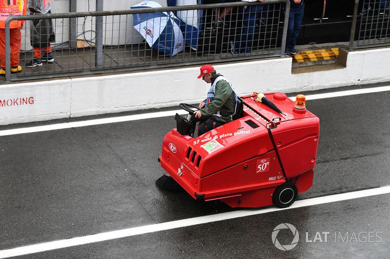 Barredora de pit lane