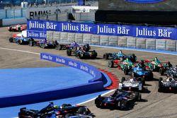 Felix Rosenqvist, Mahindra Racing, en tête au départ de la course
