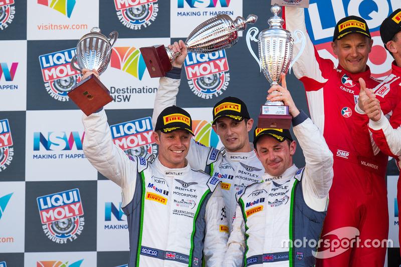 Podio: #8 Bentley Team M-Sport, Bentley Continential GT3: Steven Kane, Guy Smith, Oliver Jarvis