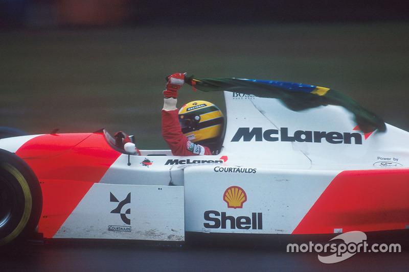 Yarış galibi Ayrton Senna, McLaren MP4/8 Ford