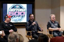 Tony Gibson, Crew chief; Kurt Busch, Stewart-Haas Racing Ford; Gene Haas, Team owner Stewart-Haas Racing