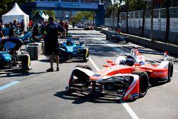 Nick Heidfeld, Mahindra Racing, leaves the pits