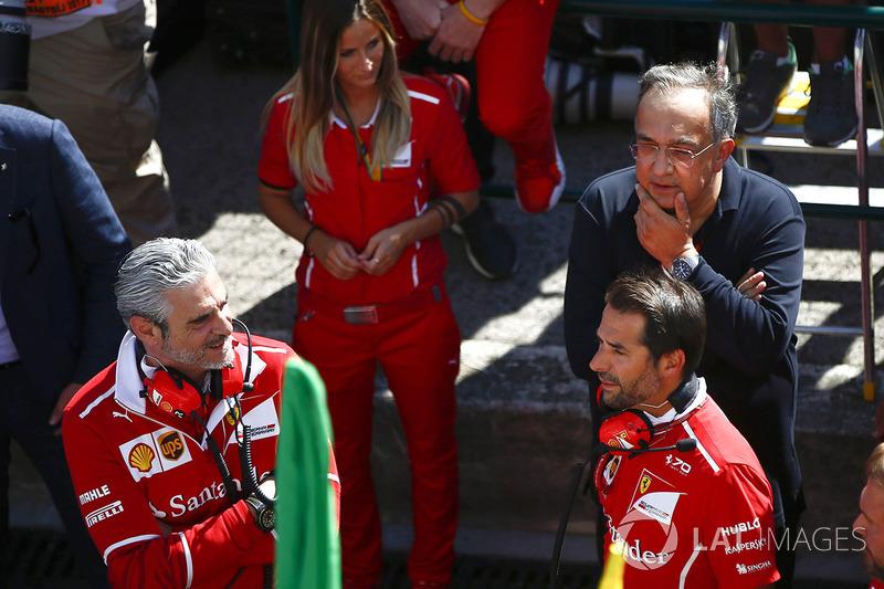 Maurizio Arrivabene, director del equipo, Ferrari, Sergio Marchionne, Director Ejecutivo, Chrysler F