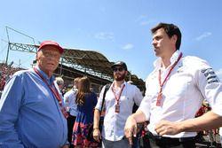 Niki Lauda, Mercedes AMG F1 W08 Presidente no ejecutivo y Toto Wolff, Mercedes AMG F1 W08 Director d
