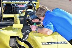 Yarış galibi Robert Megennis, Team Pelfrey
