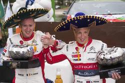 المنصة: الفائز بالرالي كريس ميك وبول نايغل، سيتروين سي3 دبليو آر سي، فريق سيتروين العالمي للراليات
