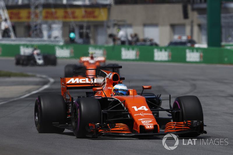 Alonso, por sua vez, conseguiu ganhar posições e parecia caminhar aos primeiros pontos no ano.