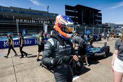 Mitch Evans, Jaguar Racing, sur la grille